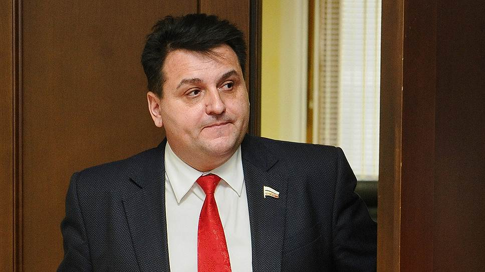 Первое заседание поуголовному делу экс-депутата Госдумы Олега Михеева трижды переносилось из-за его неявки