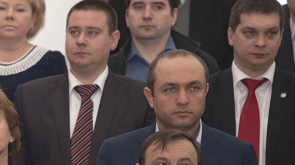 Юрий Парахин (второй снизу) оказался в центре уголовного дела
