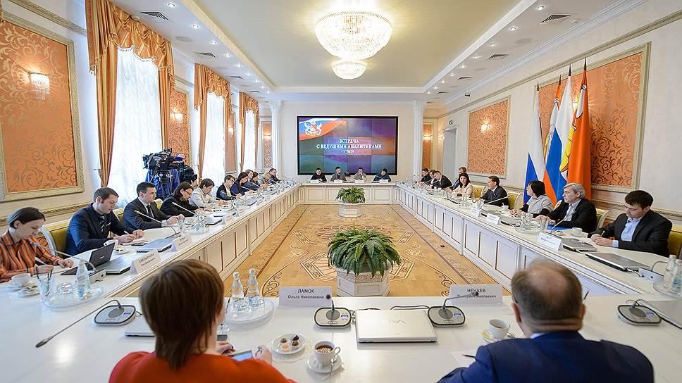 «Мы приходим и уходим, а народ остается» / Алексей Гордеев назвал «главный резерв» Воронежской области