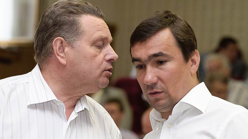 Николай Послухаев (слева) не вспомнил о доли в компании, которую собираются отсудить структуры Евгения Хамина