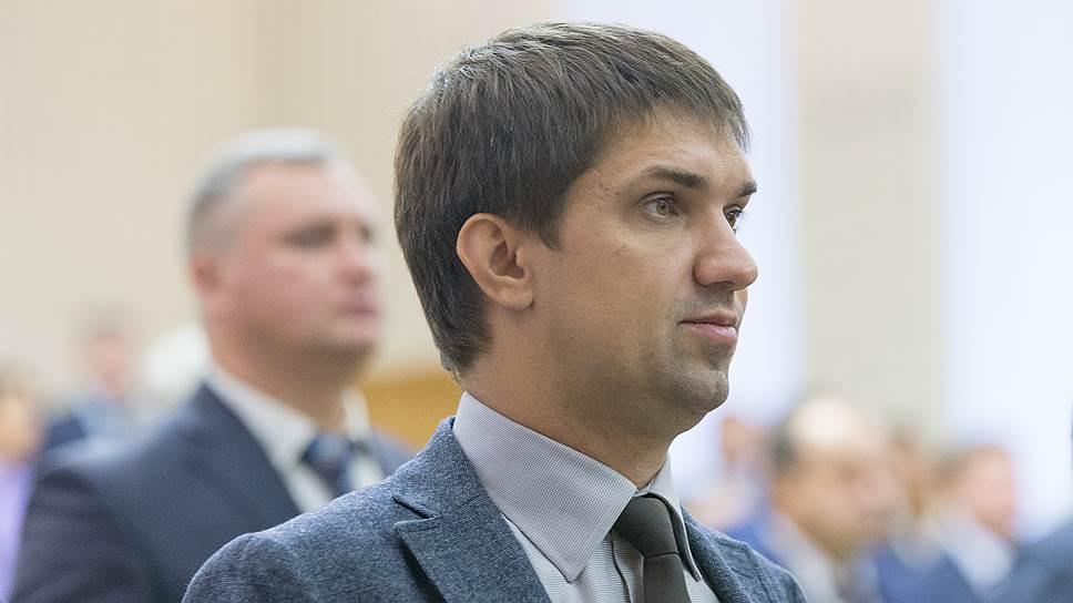 Сергею Гончарову разрешили привлекать дольщиков в «Интурист»