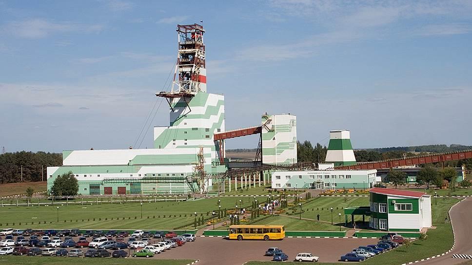 Яковлевский рудник перешел подконтроль арбитража / Суд запретил реорганизовывать управляющее месторождением ООО «Металл-групп»
