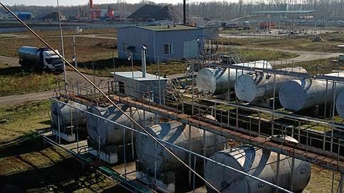 Нефтезавод перегоняют покупателям // Бобровский НПЗ в Воронежской области выставлен на продажу за 600 млн рублей