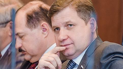 Курская облдума осталась при своем // Парламентарии не стали лишать мандата коллегу-коммуниста