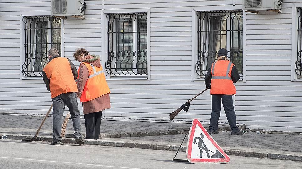 Жителей Белгорода могут заставить следить за чистотой тротуаров игазонов