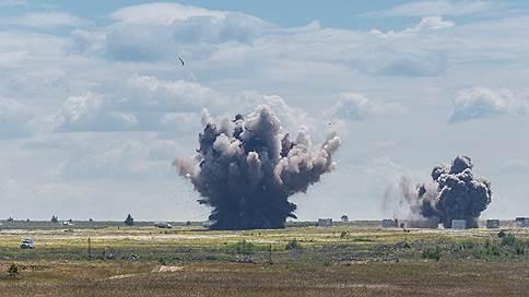Александр Гусев просит прекратить огонь  / Воронежские власти считают военных виновными в лесных пожарах