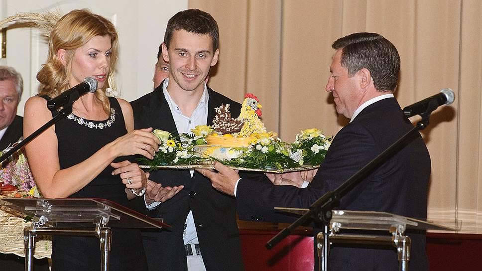 Соучредитель ГК «Трио» Евгения Уваркина (слева) уверена, что новый инвестор поможет развитию сахарных активов компании