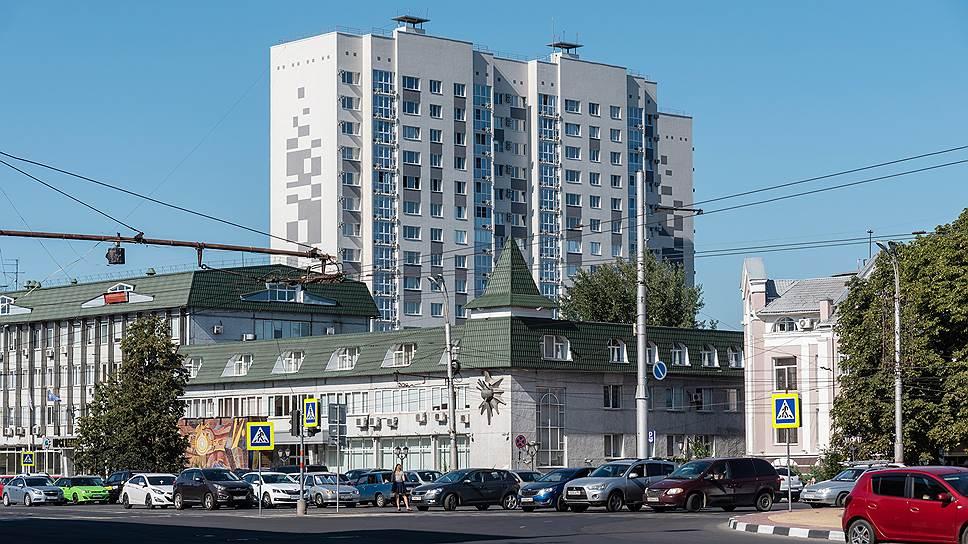 Тракторам здесь не место / Промплощадку в центре Курска планирует застроить жильем воронежский «Инстеп»