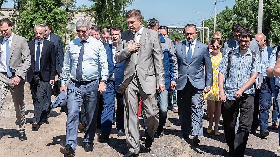«Останетесь тут, пока не решите проблему» / Губернатор ждет срочного устранения неприятного запаха в Воронеже