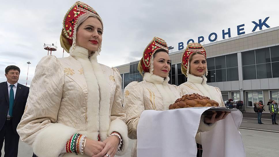 Руководить аэропортом имени Петра I продолжит гендиректор Александр Белевич (на фото слева) из команды СергеяЖуравлева