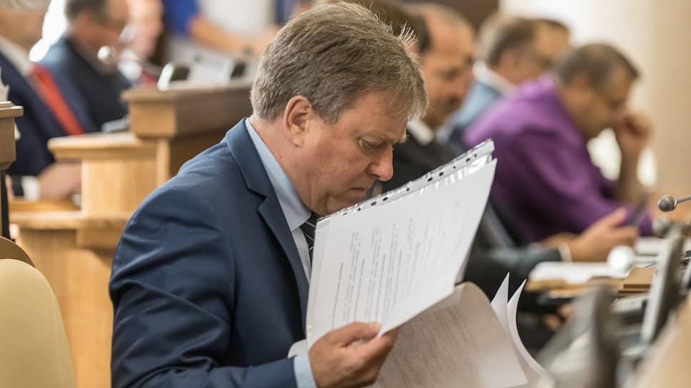 Евгений Савченко почувствовал ущерб / Губернатор напомнил белгородским чиновникам об опасности коррупции