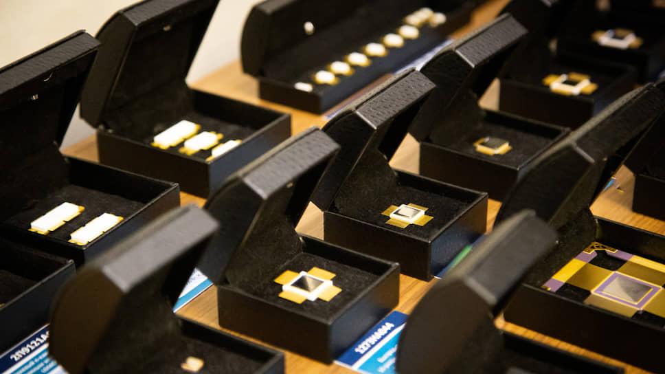 Электронщикам снимают напряжение / «Элемент» меняет руководство воронежского НИИЭТ
