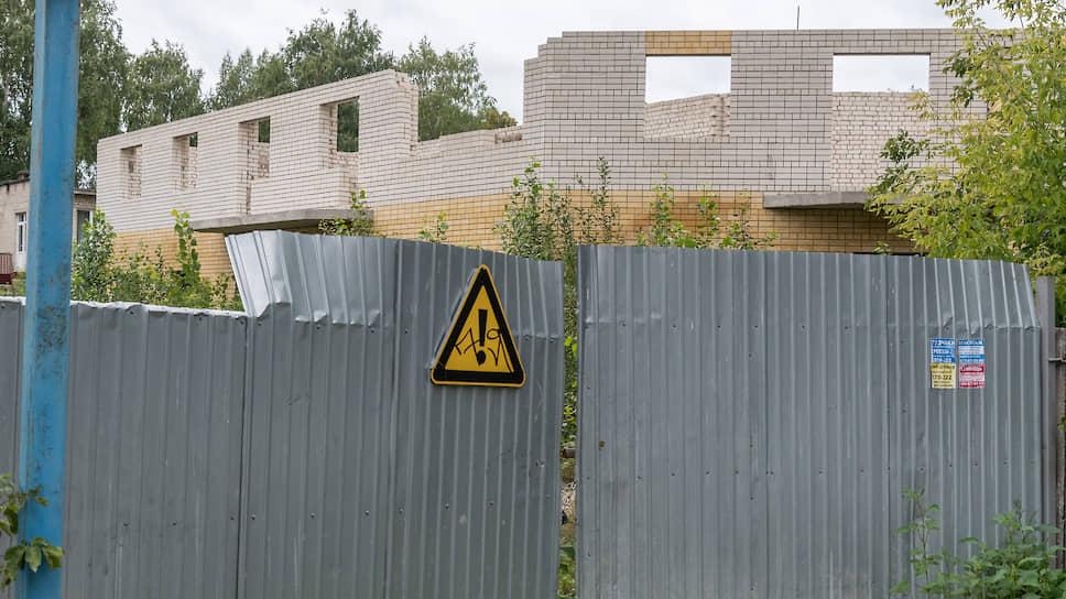 Подрядчики нацпроектов не получили больничный / Власти ждут строительства социальных объектов в Черноземье и в эпидемию