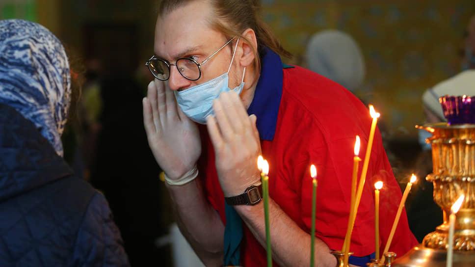 Коронавирус закрывает храмы / Священники Черноземья призывают не посещать богослужения и кладбища на Пасху