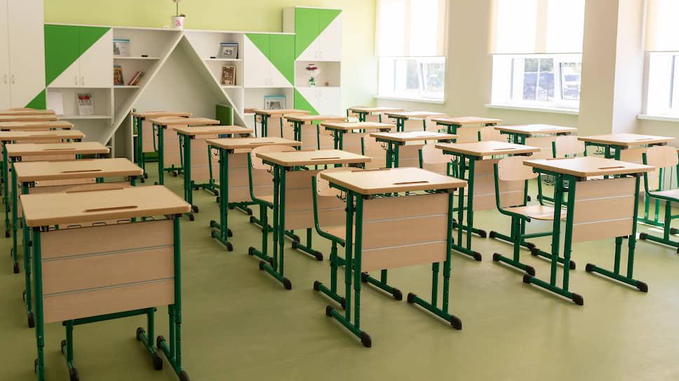 Учеба взаймы / Орловские школы и сады перед 1 сентября оказались с заблокированными счетами