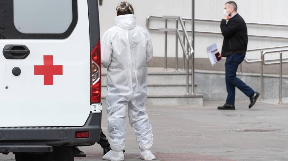 У коронавируса зазвонил телефон / Заболеваемость в Черноземье растет вместе с обращениями в скорую помощь