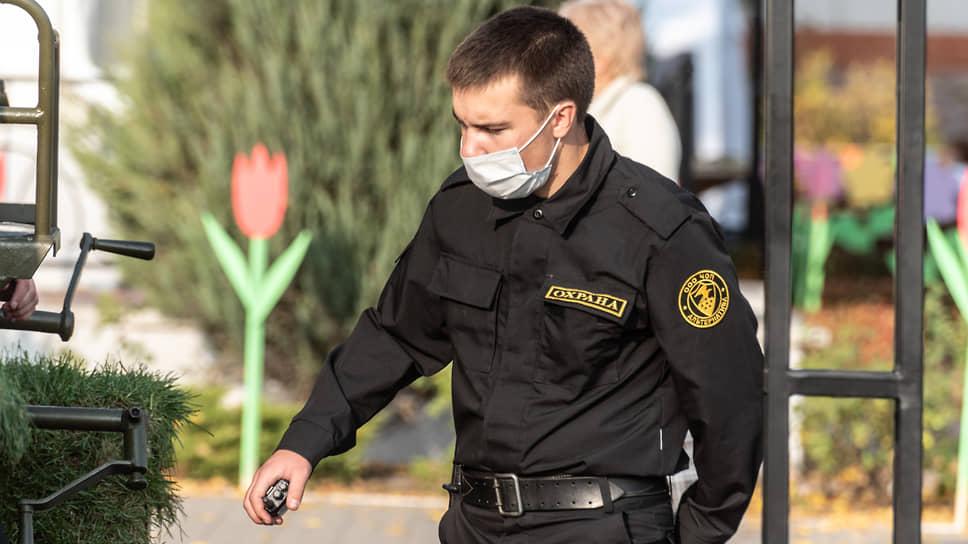 ЧОО-то на посту не хватает / Мэрия Воронежа ищет новых охранников в городские школы