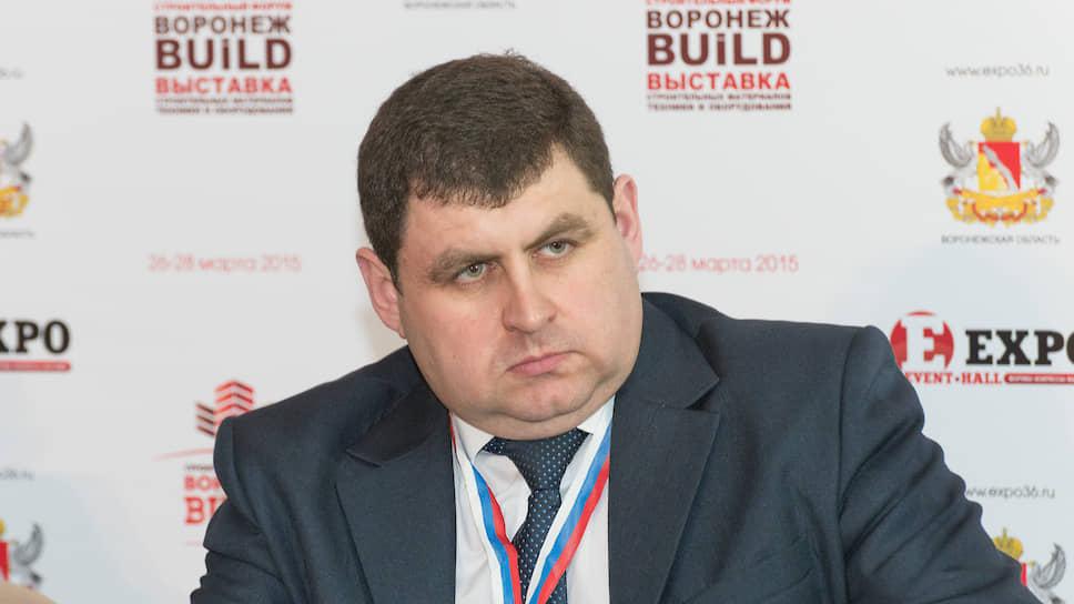 Глава департамента архитектуры и строительной политики Воронежской области Олег Гречишников