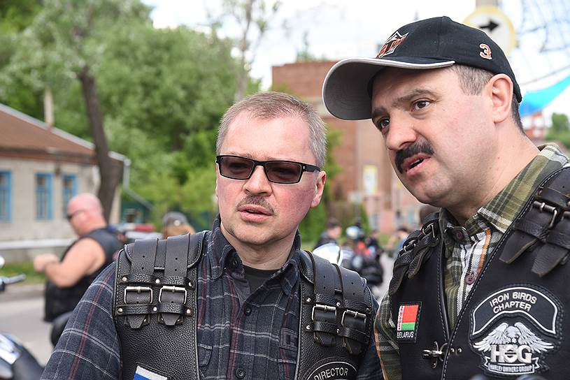Президент мотоклуба Iron Birds и бизнесмен Артем Чайка (слева) и старший сын президента Белоруссии Виктор Лукашенко