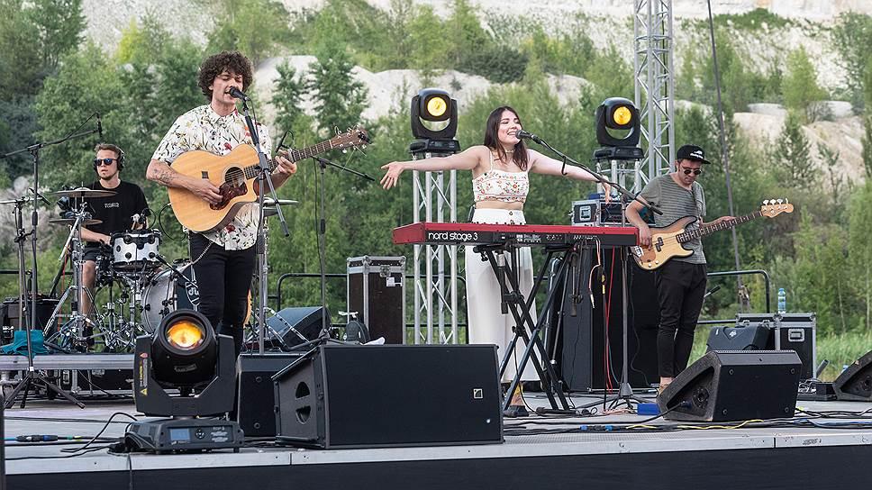 Российским слушателям она знакома по участию в конкурсе «Евровидение», на котором Naviband впервые исполнили песню на белорусском языке