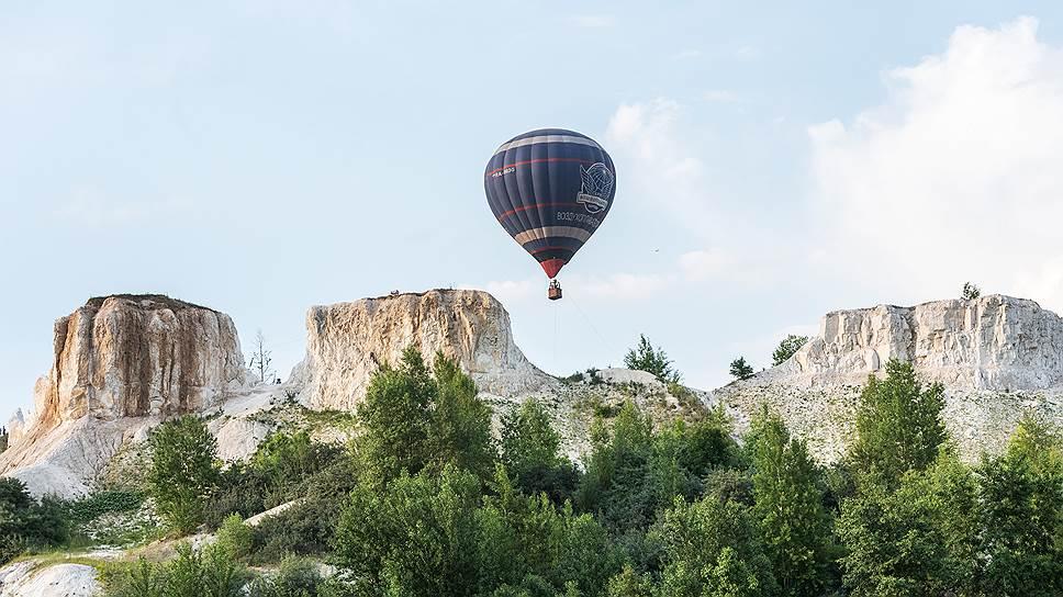 Во время выступления белорусов в небо поднимались воздушные шары