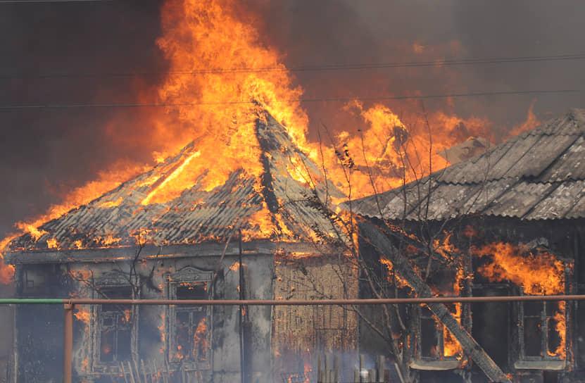 В конце июля 2010 года в пригородах Воронежа огонь от лесных пожаров перекинулся на постройки, в результате чего сгорело более 100 домов