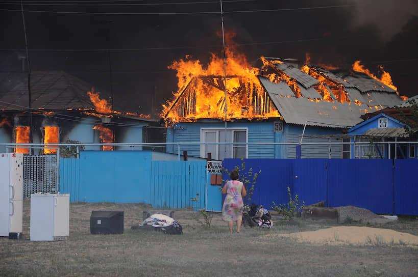 Первые жилые дома вспыхнули утром 29 июля