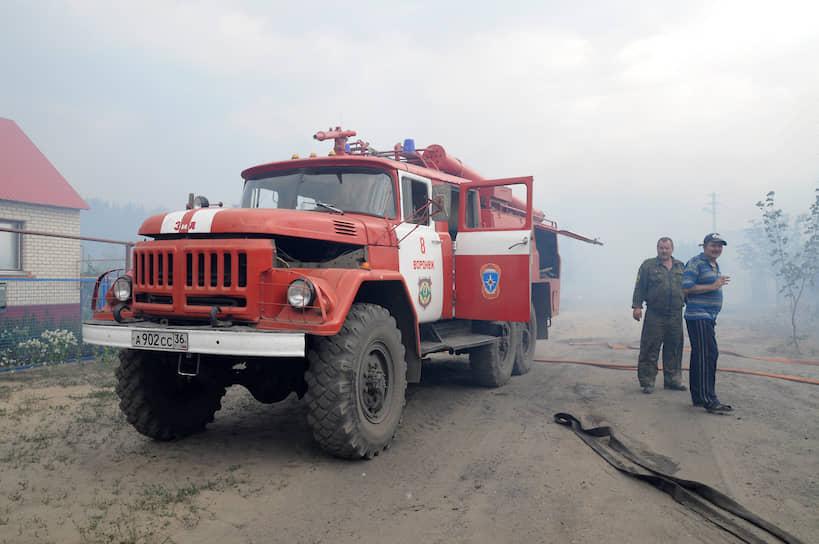 В находящемся рядом с облцентром Левобережном лесничестве была полностью уничтожена турбаза «Росинка», а из расположенных по соседству лагерей эвакуированы 600 детей