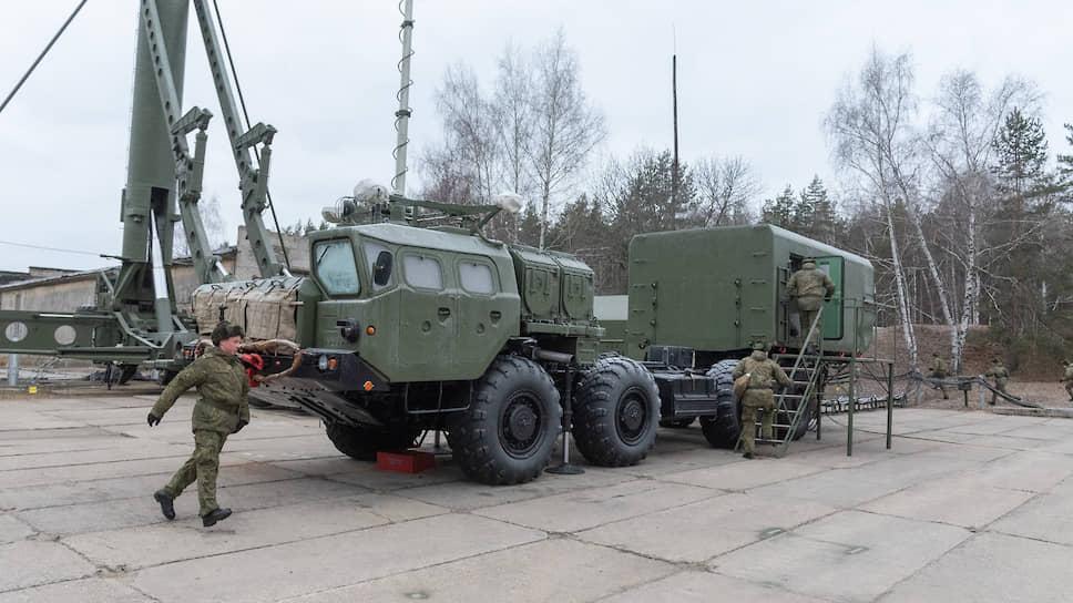Модернизация С-300ПМ-1 воронежского полка до уровня С-300ПМ-2 в первую очередь затронула системы командного пункта управления