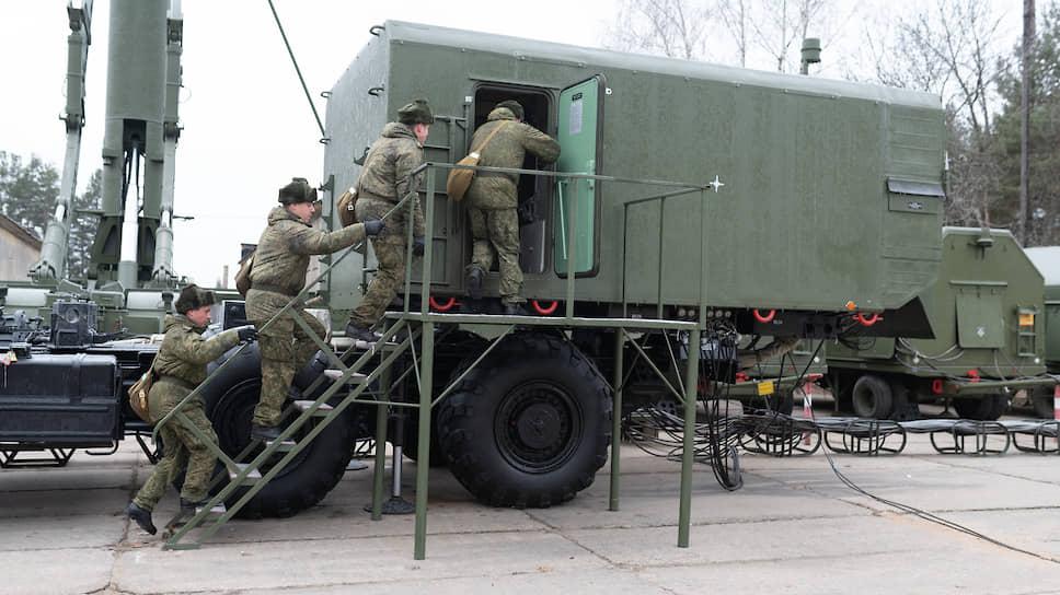 В начале декабря первый дивизион модернизированных С-300ПМ-2 под Воронежем заступил на боевое дежурство