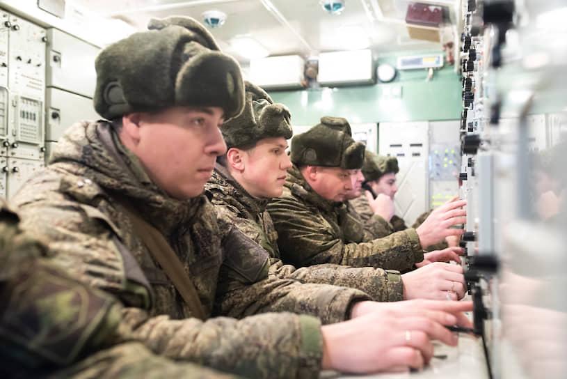 По словам военных, комплекс обеспечивает перехват и уничтожение воздушных целей «во всем диапазоне высот и скоростей полета»