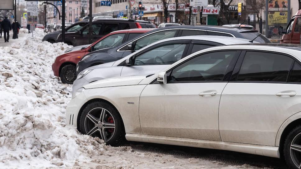 Январь 2019 года. Неочищенные после крупного снегопада платные парковки в Воронеже