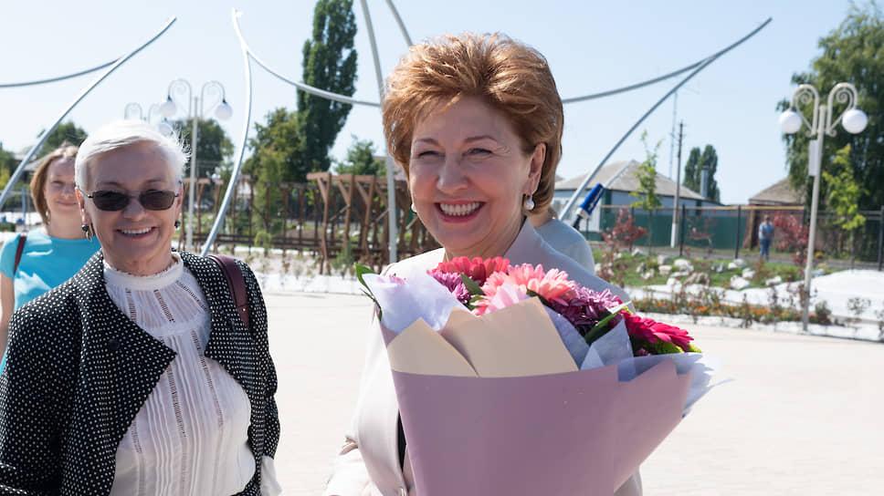Галина Карелова (справа), сенатор от Воронежской области, заместитель председателя Совета Федерации