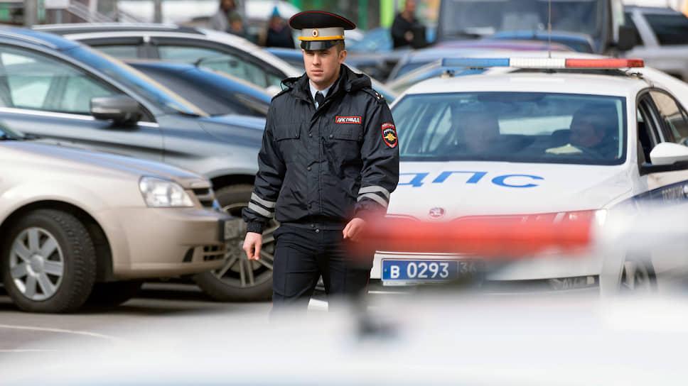 С начала нынешнего года количество нарушений правил остановки транспорта в Воронеже превысило уже 1 тыс., было задержано свыше 3 тыс. автомобилей