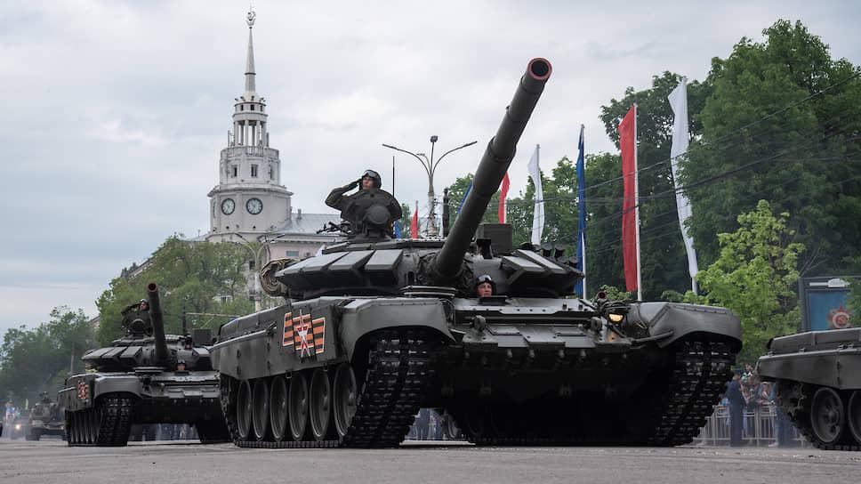 В параде 2019 года участвовало 72 единицы вооружения и военной техники. Тогда впервые по площади Ленина прошла гусеничная техника — танки Т-72Б3 и самоходные гаубицы «Мста-С»