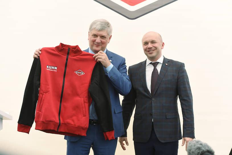Губернатора Александра Гусева приняли в «команду Kuhn»