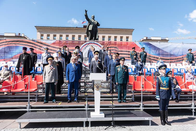 Парад принимал командующий 20-й гвардейской Краснознаменной общевойсковой армией Западного военного округа генерал-лейтенант Андрей Иванаев