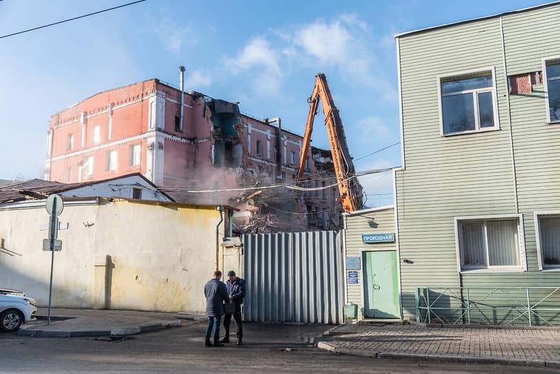 Сейчас историческая площадка контролируется строительной компанией «Выбор» депутата областной думы Александра Цыбаня.