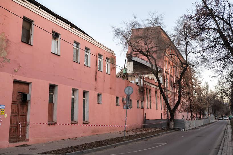 Чтобы в дальнейшем исключить подобные ситуации, господин Гусев предложил сделать «углубленный проект планировки территории центральной части города».