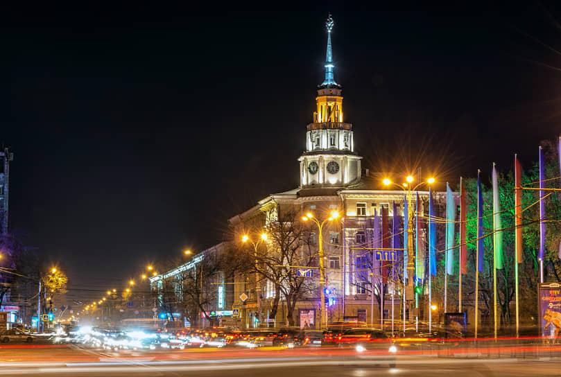 На Воронеж приходится 60% от всего потребления электроэнергии в регионе. На фото — площадь Ленина