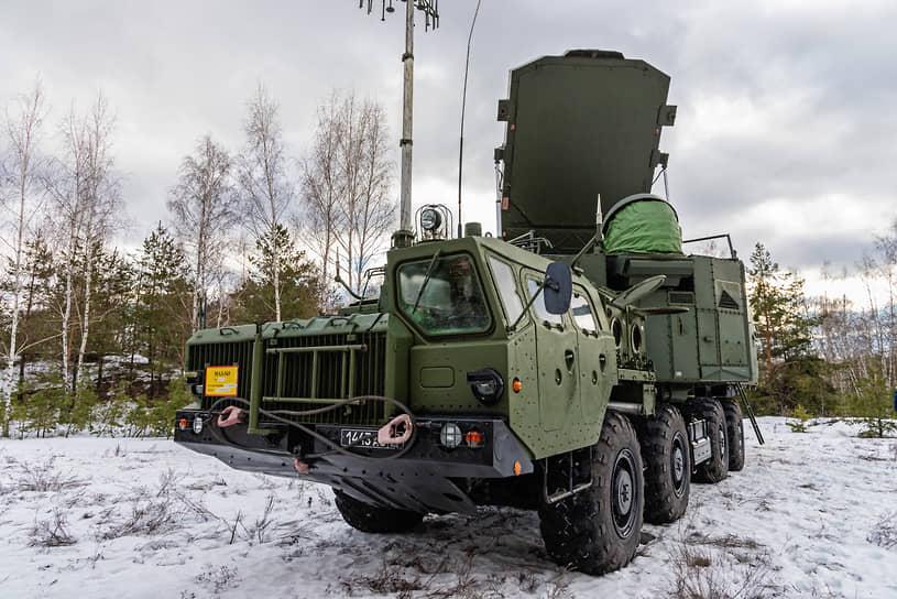Командный пункт 5Н63С во время учений по развертыванию зенитно-ракетного комплекса С-300 под Воронежем