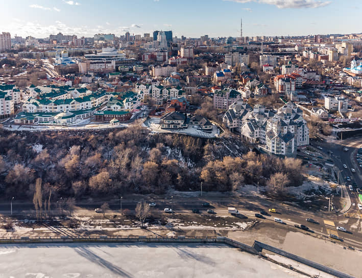 Вид на центр Воронежа с водохранилища