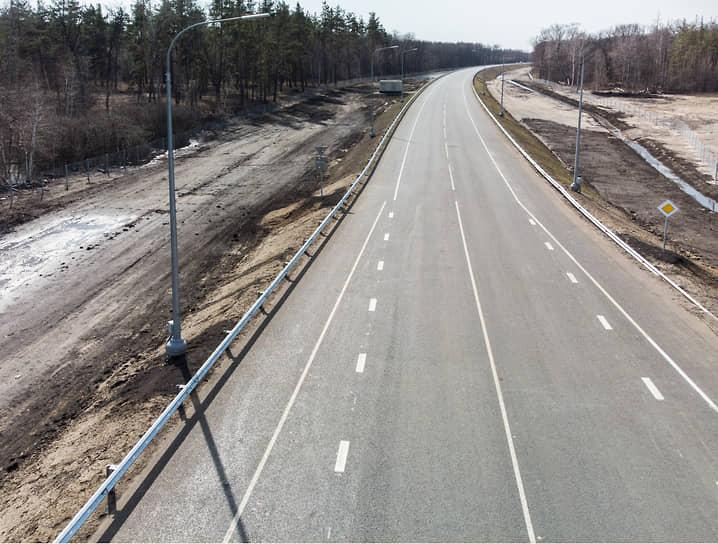 Игорь Левитин анонсировал возможное продолжение строительства дороги в муниципалитете, чтобы полностью освободить Бобров от транзитного транспорта.