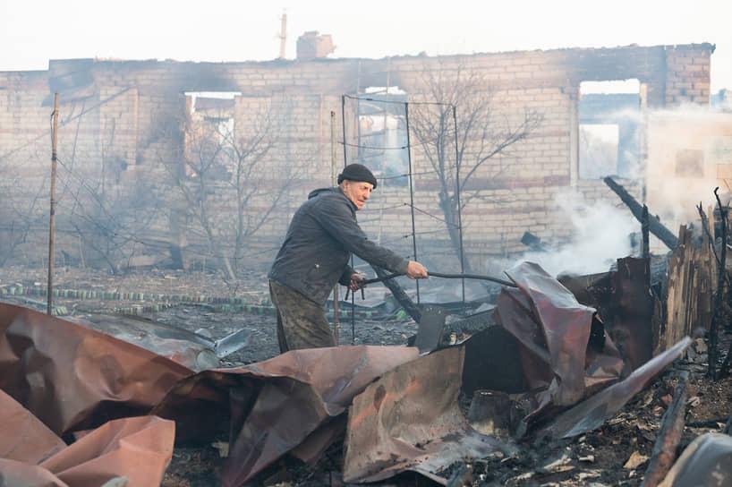 Последствия ландшафтного пожара в селе Мечёвка Бобровского района Воронежской области