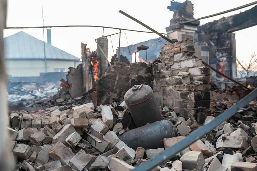 Последствия ландшафтного пожара в селе Мечёвка Бобровского района Воронежской области.