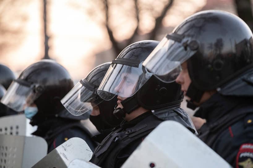 В пресс-службе управления МВД по Воронежской области предпочли не комментировать оперативные сообщения любых неофициальных источников и не оценивать количество собравшихся.