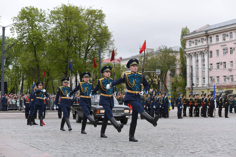 Линейные на параде Победы в Воронеже