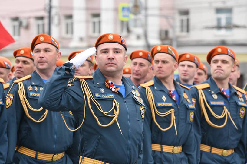 Парадный расчет главного управления МЧС по Воронежской области