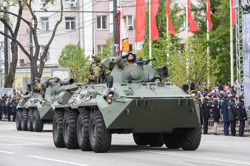 Большая часть техники, представленной на параде, закреплена за частями и подразделениями 20-й гвардейской общевойсковой армии