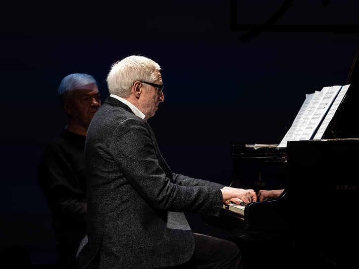 Еще одним музыкальным событием стал творческий вечер композитора Леонида Десятникова (на фото), получившего в этом году Платоновскую премию